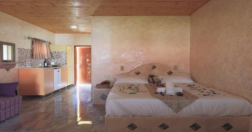 Desert guest rooms in Biankini Village Resort
